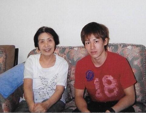 大学の時父方の祖母と(翌年他界)