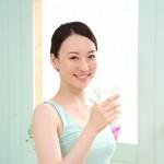 ダイエットでは一日2ℓ水を飲むべきなの?痩せるために必要な水の量とは